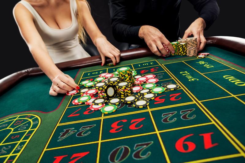 動画やSNSでオンラインカジノの賭け方を学ぶ